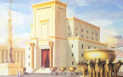 Os preparativos para edificar o templo; Salomão edifica o templo; As dádivas de Davi colocadas no templo; Salomão traz para o templo a arca