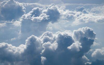 Vê Jesus Nas Nuvens?